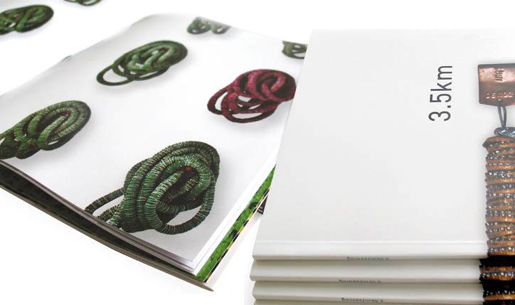 <p>cliente// Marcia Barrozo do Amaral</p> <p>designer// Christiane Krämer e Ruth Freihof</p> <p>&nbsp</p>